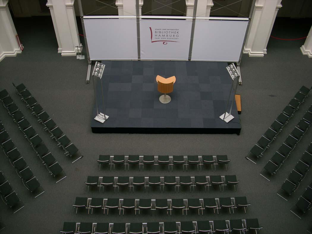 Bühne im Lichthof