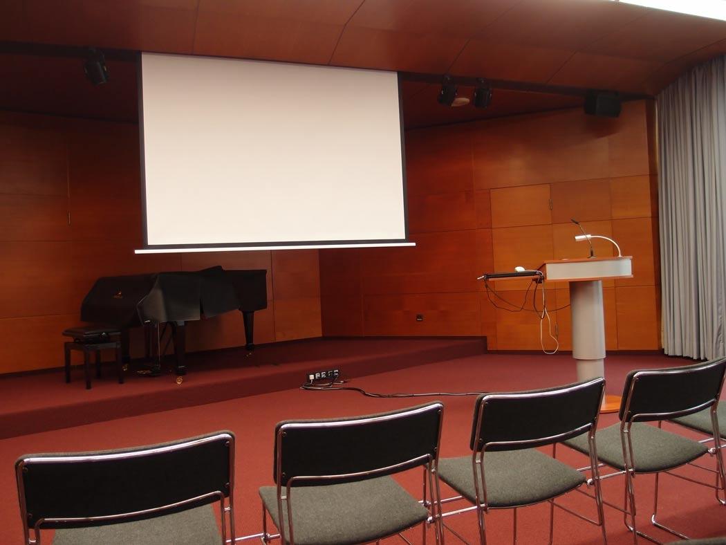 Vortragsraum vorne (nah)